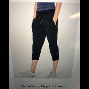 Lululemon Dance Studio Crop III. Size 8